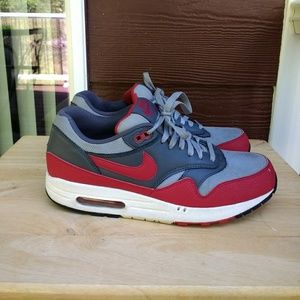 Nike Air Max 1 Essential Men's Athletic Shoes